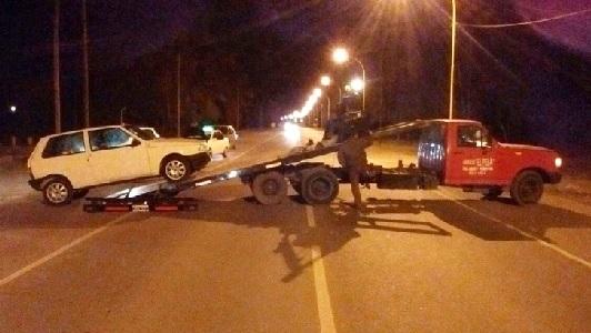 Bell Ville contrató dos grúas para remover autos mal estacionados
