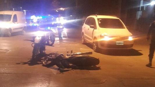 Choques con motos dejaron a dos mujeres heridas