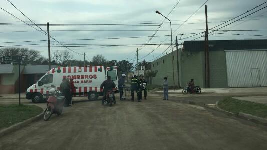 Chocó y dejó gravemente herida a una mujer: se fugó en moto