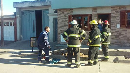 Fotos: Pérdida de gas y corte de calle en Villa Nueva