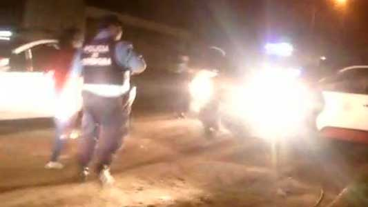 Tres ladrones tiraron todo y escaparon de la Policía a través de baldíos