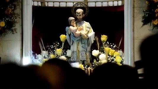 Misas y procesión para pedirle y agradecerle a San Cayetano