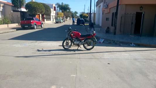 Fotos de triple choque entre dos autos y una moto