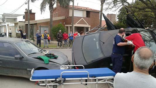 vuelco auto solares de la villa (1)