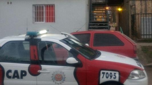 Allanaron dos domicilios de Los Olmos y detuvieron a 3 personas