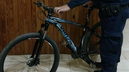 Encontraron una bici robada y su dueño aún no denunció su robo