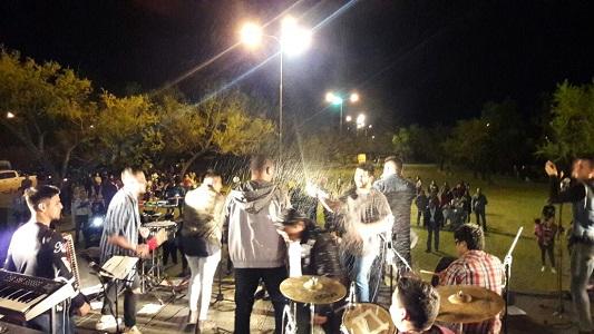 Unos 500 jóvenes se sumaron al festejo de la Primavera en Villa Nueva