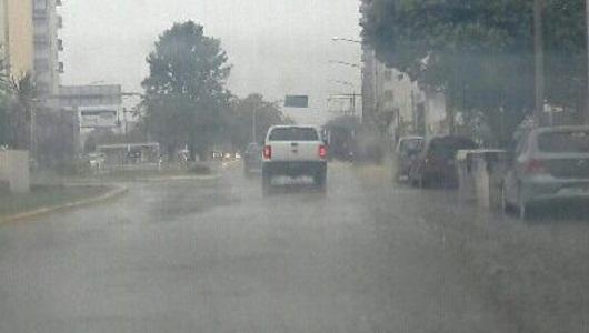 Luego del viento, renuevan alerta meteorológico por lluvias intensas
