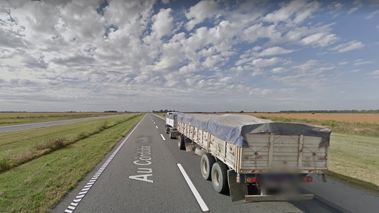Fuerte choque entre dos camiones durante la madrugada