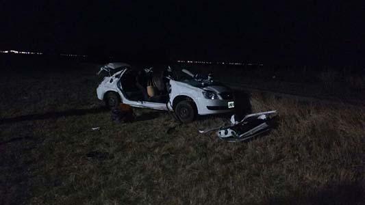 Despiste fatal en la Autopista: murió un hombre y su familia está herida