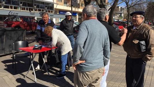 firmas jubilados apross centro plaza