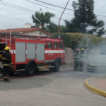 incendio auto villa nueva (1)