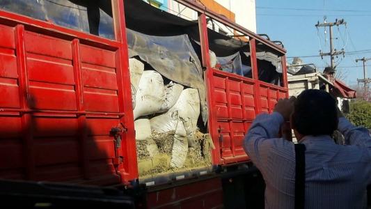 Por el camión detenido con marihuana allanaron en Villa Nueva