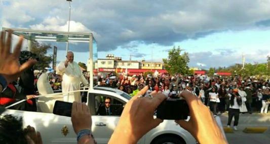 El Papa en Colombia: cómo lo viven los argentinos que lo vieron