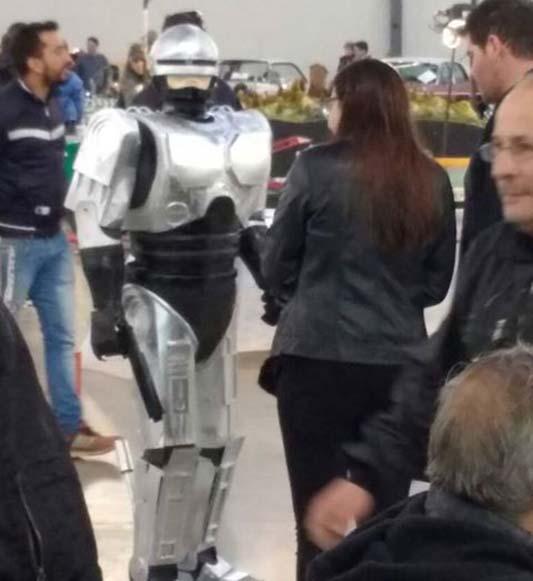 robot robocop maqueta 2