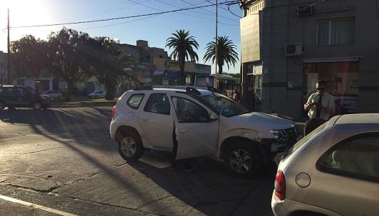 Un colectivo urbano involucrado en un choque: fue contra camioneta