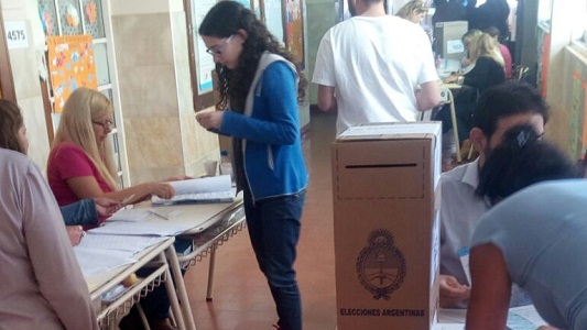 Casi la mitad del padrón ya votó en Villa María y Villa Nueva