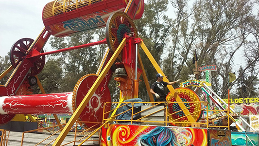 Preparativos festejos Villa Nueva parque de diversiones (5)