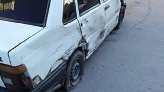 Le chocaron el auto estacionado y busca al responsable