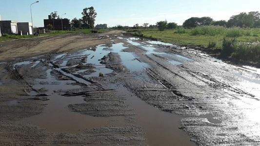 El plan de Gill para repavimentar avenidas y recuperar calles de tierra