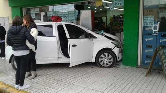 choque auto supermercado alicia bertaza (1)