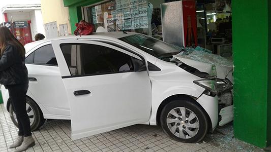 choque auto supermercado alicia bertaza (2)