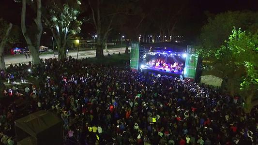 """""""Locura"""" en Villa Nueva por bailar con Cristian Amato en el parque"""