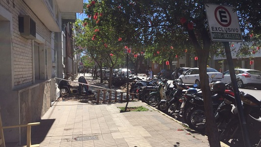 vereda - estacionamiento motos
