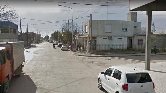 Chocó y se fugó: automovilista dejó a motociclista herido y tirado