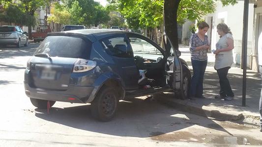 Fuerte choque entre dos autos en Salta y Estados Unidos