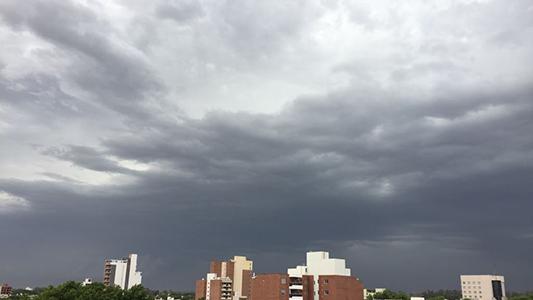 Con el calor intenso llegan las tormentas: alerta meteorológica incluye caída de granizo