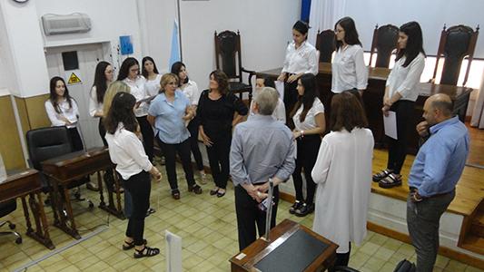 Casi mil alumnos en el Concejo guiados por estudiantes de Turismo