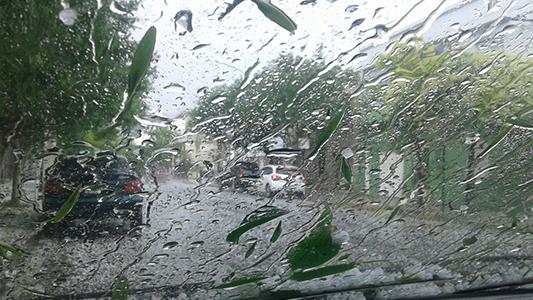 Se vino el agua: hay alerta por vientos y tormentas fuertes