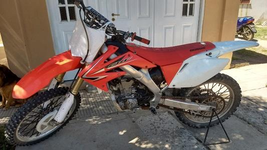 Vendió la moto y le pagaron con un cheque robado