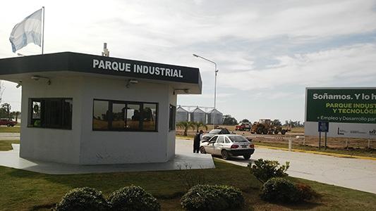 Instalan torre de antena para tener 4G en el Parque Industrial