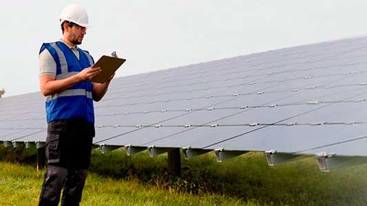 Empresarios y profesionales hablan de responsabilidad ambiental
