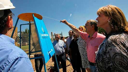 Silvio Pellico y Ana Zumarán sumaron el servicio de gas natural