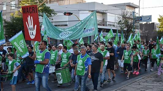 Multisectorial organiza marcha en contra de los despidos y los tarifazos