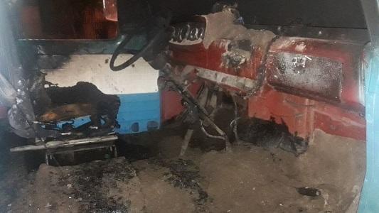 Se prendió fuego la cabina de un camión que estaba estacionado