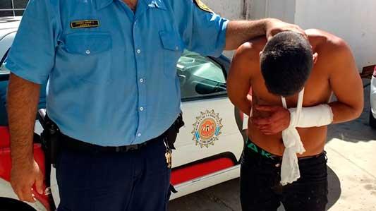 Herido y alterado, fue preso por amenazar a enfermeros del Hospital