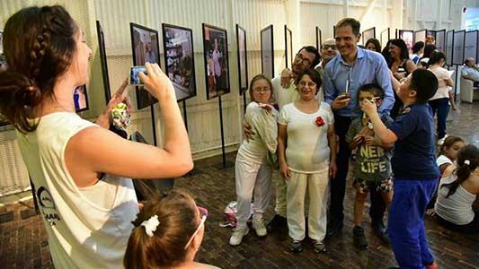 Gill lleva a Colombia el modelo de Villa María Ciudad del Aprendizaje