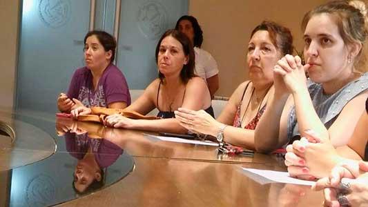 Mujeres piden por un plan que les devuelve el empleo a sus maridos