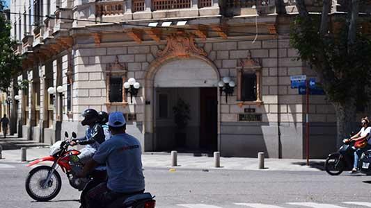 Municipales reclaman por caída de salarios y transparencia en concursos