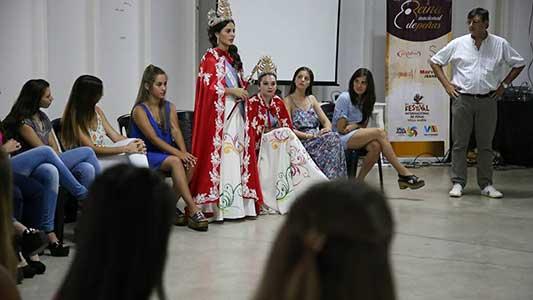 reunion-candidatas-a-reinas-festival-2018-(2)