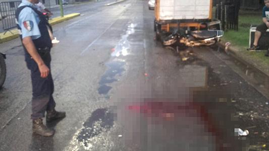 Motociclistas ebrios chocaron y sufrieron lesiones de cráneo