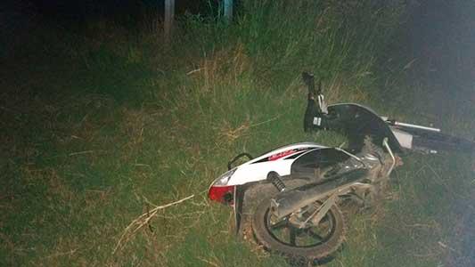 Se suma otro motociclista con riesgo de vida por una caída