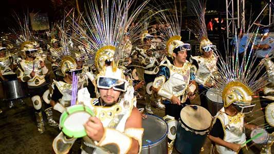 Lunes extra de Carnaval en Villa Nueva para definir lo que la lluvia no dejó