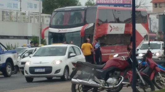 choque colectivo taxi terminal