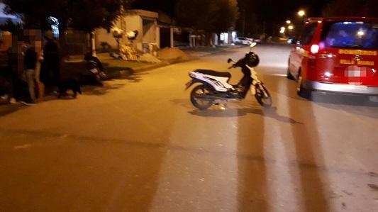 Heridas graves para una mujer que chocó contra una menor en moto