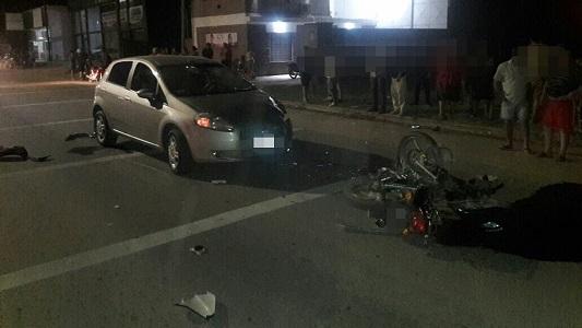 Un chico de 17 años está muy grave por un choque en moto